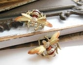 Vintage Set Of 2 Amber Brown Cream Enamel Bumble Bee Brooch Scatter Pins DD7