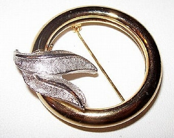 """Gold Silver Circle Brooch Scarf Slide Open Wreath Style Abstract 1 5/8"""" Vintage"""