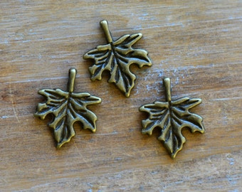 Maple Leaf Charm -  Vintage Style Pendant - Canadian Canada Charm Jewelry Supplies (AS140)