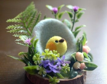 Easter egg and chicken diorama, miniature garden decoration, needle felt chick in egg diorama ornament, spring purple flower, gift under 30