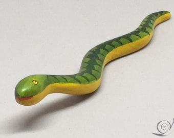 Toy Snake Mother  wood green yellow | Size: 15,0 x 2,0 x 2,0 cm (bxhxs)  approx. 10,0 gr.
