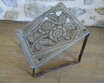 Foot rest, French art deco repose pieds with pierced metal top