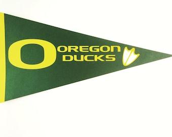 2 U of O Oregon Ducks Paper Pennants