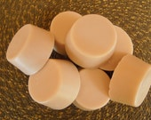 HAPPY FACE / Great Facial  Soap / Natural Goats Milk Base / Pure Blossom Honey / Food Grade Vanilla Extract / Super Moisturizing