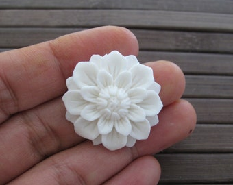 Beautiful carved tropical flower, Buffalo bone carving, Jewelry making supplies S7170