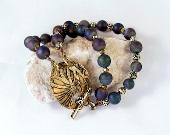 Bracelet blue beads etched brass