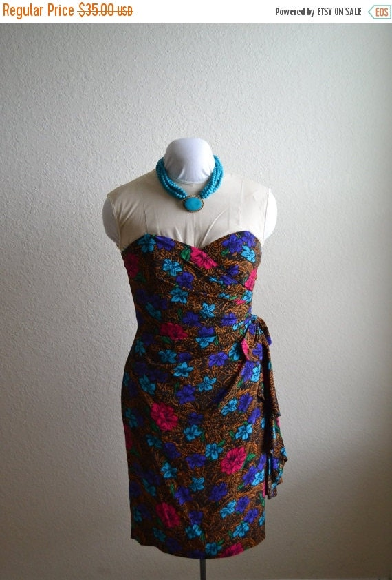 ON SALE Beautiful Printed Strapless Dress size 10