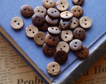 "50 pcs Tiny Coconut Buttons 13mm (4/8"") (BB968)"