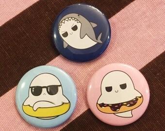 Ghostly Bob Ghost Specter Phantom Dark Kawaii Creepy Cute Goth Scary Spooky Spoopy Anime Summer Beach 3 Piece Flair Button Pin Badge Set