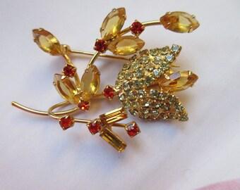 Vintage Rhinestone Pin, Rhinestone Floral Pin, Estate Jewelry, Amber Crystal , Vintage Costume jewelry, Romantic Vintage, Rhinestone Brooch