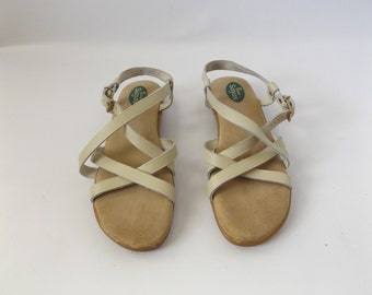 bass leather sandals size 8   vintage 80s strappy almond color leather summer shoes hippie boho dress sundress 1980s open toe hipster hippy