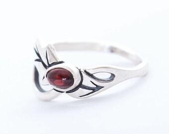 Holly ring   Leaf ring   Silver Ring   Garnet ring