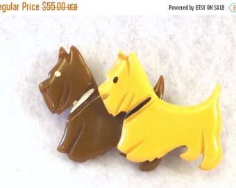 FALL SALE, Bakelite Scotty Dog Pin - Double Scotty Dog Brooch - Vintage Collectible Jewelry - Bakelite Jewelry