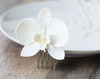 White orchid fascinator - orchid hair comb - white wedding flower - hair comb accessory