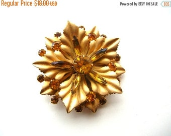 SALE Frosted Gold Rhinestone Brooch - Amber Glass Rhinestones - Golden Rhinestone Brooch - Rhinestone Flower Pin