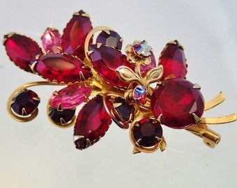 FREE Shipping Vintage Red Rhinestone Floral Spray Brooch Flower Bouquet Pin