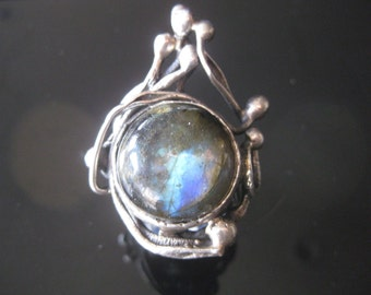 Huge Lovely Vintage Artisan Crafted & Signed Handmade Luminous Labradorite Abstract Modernist Sterling Statement Ring sz 10