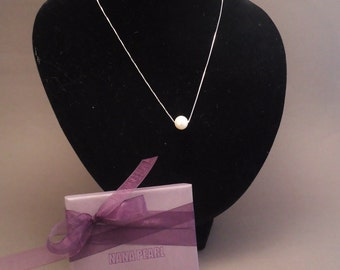 Silver necklace with white freshwater pearl