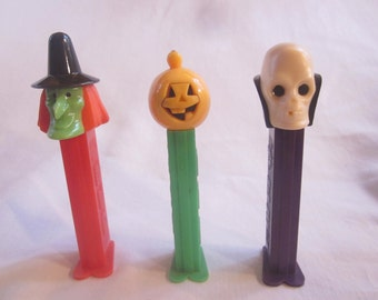 Halloween PEZ Dispensers Witch Skull Vampire Pumpkin Gift Set