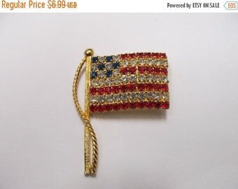 On Sale Vintage Prong Set Rhinestone American Flag Pin Item K # 327