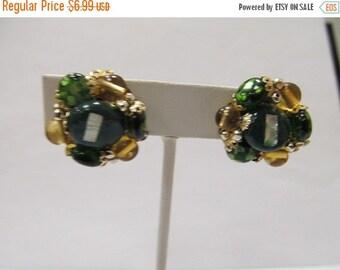 On Sale Vintage Green Beaded Cluster Earrings Item K # 983