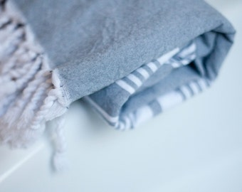 Turkish Towel // Thin Quick Dry Towel // Bath and Beach // Stylish Fringe // Farmhouse and Country Style // Market // Gray // Grey