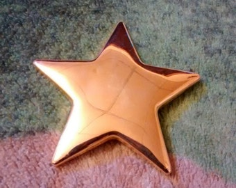 Large Gold Tone Star Brooch...Quite The Beauty