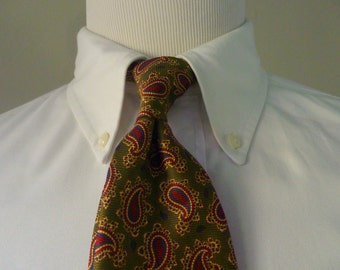 BEAUTIFUL Vintage Brooks Brothers MAKERS All Silk Multicolored Paisley Trad / Ivy League Neck Tie.  Made in USA.