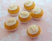 1:12 scale...White Chocolate Flake Cupcakes...handmade by Small Portions