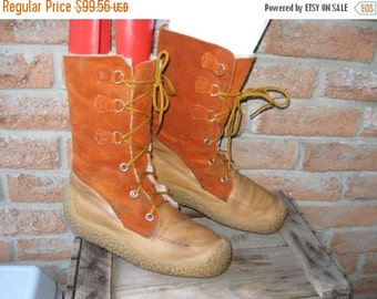 SALE Vintage 70's Winter Suede Leather Mukluks boots Crepe sole . Women's US 9 Made in Canada Maple  Leaf Footwear, Native inspired, Boho Hi