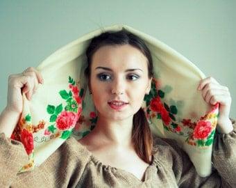 Vintage Ukrainian shawl. FREE SHIPPING! Traditional floral scarf.