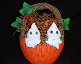 Unique Vintage Halloween Ceramic Basket with 2 Ghosts - Dried Flowers