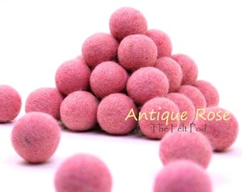Felt Pom Poms // Felt Ball Garland DIY // diy Mobile // diy Necklace // Pure Wool Felt Balls // Wool Beads // ANTIQUE ROSE / 2.5 cm