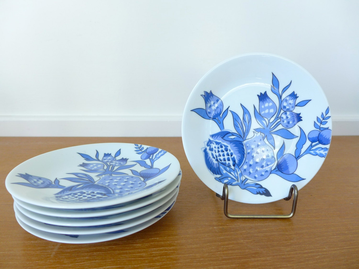 Six limoges bracieux by patrick frey canape or bread plates for Philippe deshoulieres canape plates