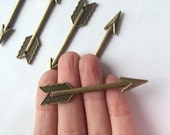 5 X large arrow charm pendants brass boho rustic