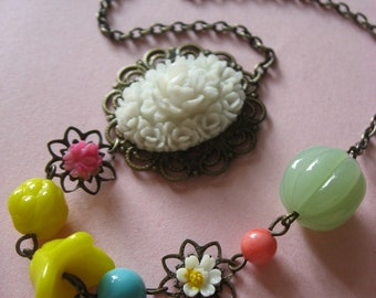 Lovely colorful nature garden flowers necklace