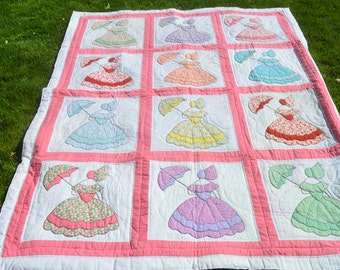 Amazing Vintage Sunbonnet Sue Quilt with Vibrant Feedsack Prints