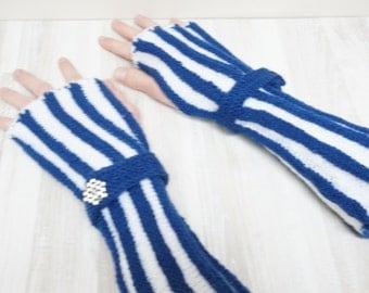 Knit wrist arm warmers cuff bracelets Fingerless mittens wool gloves blue white stripe warm button decor vintage elegant theater