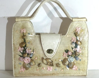 1960s cream raffia shell handbag with golden accents - 1960s beach purse - shell and floral 60s resort bag - 1960s straw handbag for summer