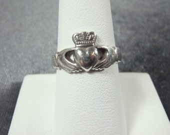 Sterling Silver Ireland Claddagh Ring Sz. 8 1/4 R187