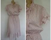 Sale 1970's Dress / Vintage Dress / Pink Calico Dress / Summer Ruffle Dress / Day Dress  M