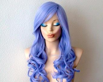 Lavendel blau Perücke. Pastell Farbe Perücke. Lange lockigen Frisur ...
