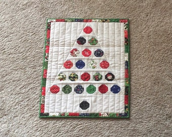 Quilted Christmas Tree..Christmas Baubles Tree..Mini Christmas Quilt..Mini Christmas Wall Hanging, Christmas Wall Hanging