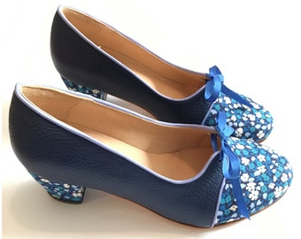 Tie Flores - Free shipping * Medium heels vintage design in fabric and blue leather.