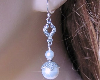 Vintage Style Pearl Earrings, White or Ivory Pearl Wedding Earrings, Vintage Style, Bridesmaid Gift, Wedding Jewelry, Mother of The Bride