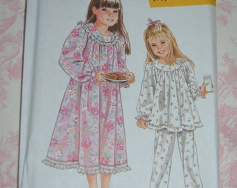 Simplicity 9296 Childs Nightgown and Pajamas  Sewing pattern  - UNCUT - Size 3 4 5 6 7 8