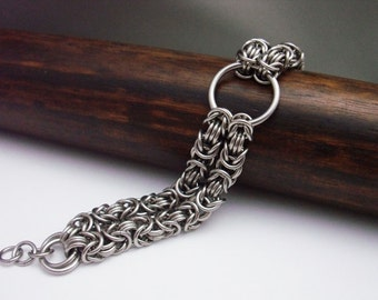 Twin Strand Byzantine Chainmaille with Rossetts