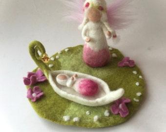 Fairy felted. Waldorf. Felted.flower child.Cradle.Playscape.Feled flower.Waldorf.