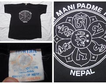 Vintage Retro Men's Nepal Souvenir Black Tshirt Silk Screen Short Sleeve T-shirt Large