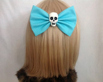Large light blue skull hair bow clip rockabilly psychobilly gothic Lolita rock punk pin up girl retro oversized Elmyra duff halloween